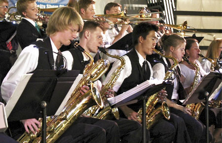 brass-band-teens_1196661_inl